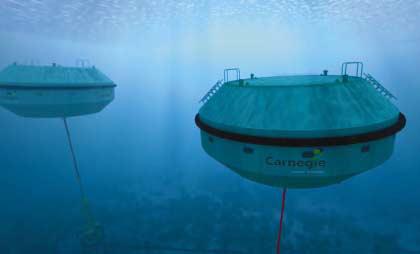 Нова технология произвежда енергия и питейна вода от морските вълни