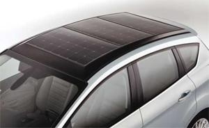 Разработват хибриден автомобил, задвижван основно със слънчева енергия