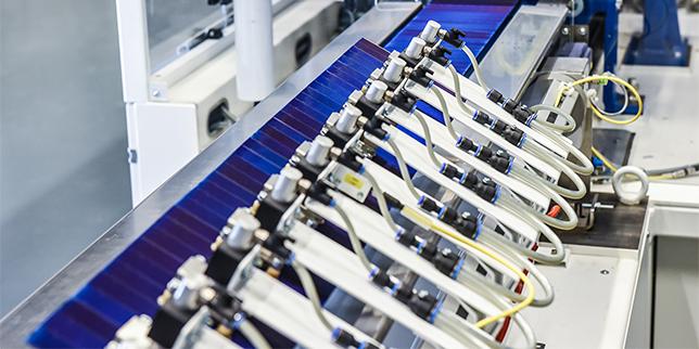 Fraunhofer ISE разработи адхезивен процес за производство на фотоволтаични керемиди