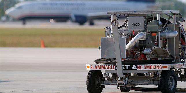 Американски учени разработиха нова суровина за авиационно гориво