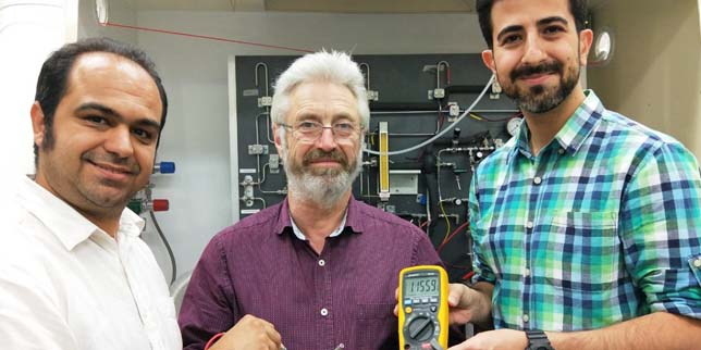 Учени от Австралия разработиха първата протонна батерия